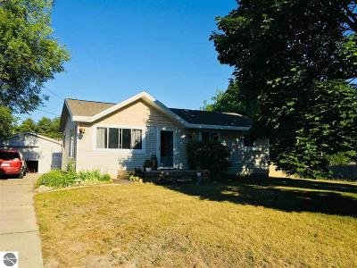 East Tawas MI Single Family Home New: $99,900