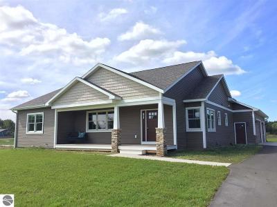 Traverse City Single Family Home For Sale: 5576 Marquette Drive
