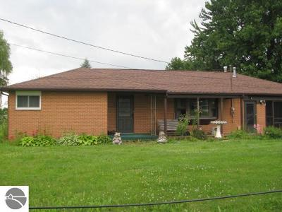 Tawas City MI Single Family Home For Sale: $82,000