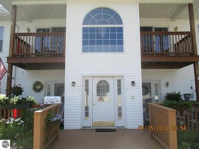 East Tawas MI Condo For Sale: $99,900
