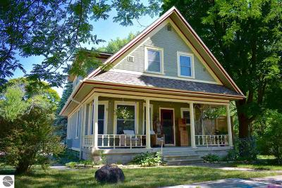 Traverse City Single Family Home For Sale: 728 W Seventh Street
