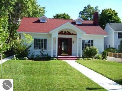 Traverse City Single Family Home For Sale: 224 Washington Street #101