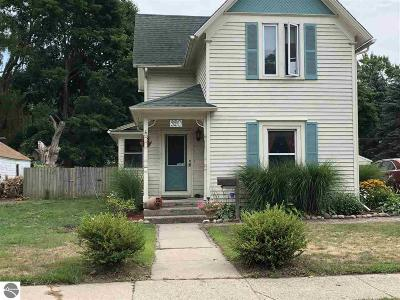 Mt Pleasant Single Family Home For Sale: 320 E High Street