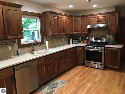 Arenac County Single Family Home For Sale: 327 E State Street