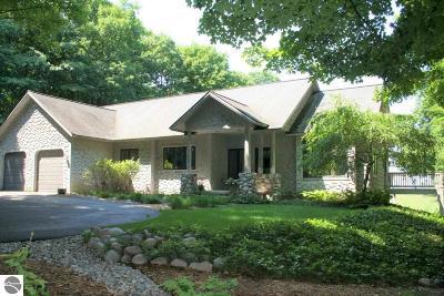 Leelanau County Single Family Home For Sale: 9050 W Cohodas Road