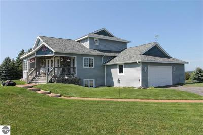 Traverse City Single Family Home For Sale: 10365 S Timberlee Drive