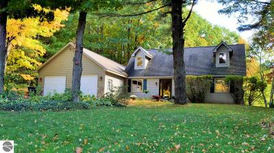 Traverse City Single Family Home For Sale: 3192 Lamp Post Lane