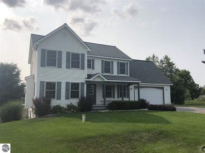 Traverse City Single Family Home For Sale: 7349 Briar Ridge Drive