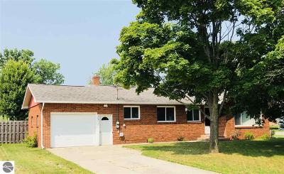 Tawas City MI Single Family Home For Sale: $77,500