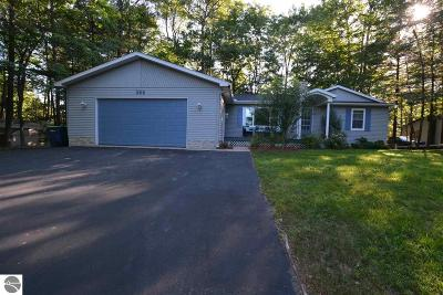 Traverse City Single Family Home For Sale: 366 High Lake Road
