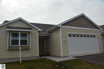 Traverse City Condo For Sale: 4936 Kodiak Drive #68