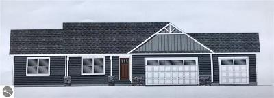 Traverse City Single Family Home For Sale: 1448 Saffron Circle