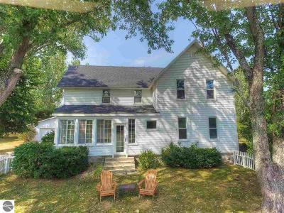 Suttons Bay Single Family Home For Sale: 9945 E Solem Road