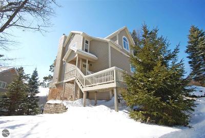 Leelanau County Single Family Home For Sale: 3 Chimney Ridge