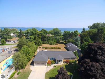 Northport Single Family Home For Sale: 117 S Waukazoo Street