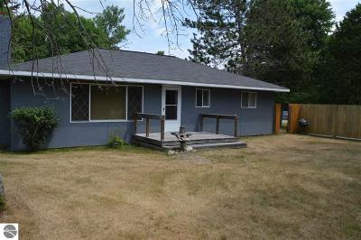 Alcona County Single Family Home For Sale: 5459 Raymond Road