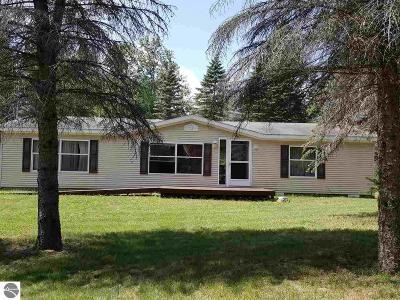 Alger Single Family Home For Sale: 6185 Miller Road