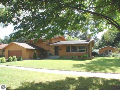 Alma Single Family Home For Sale: 1007 Falkirk Street