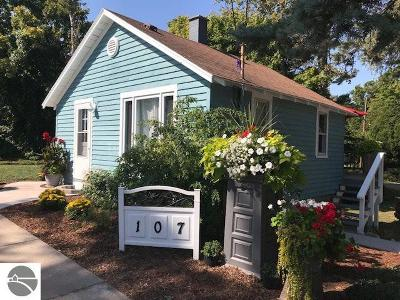Northport Single Family Home For Sale: 107 W Park Street