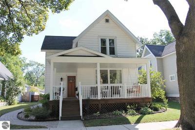 Traverse City Single Family Home For Sale: 242 E Ninth Street