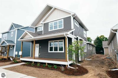 Traverse City Single Family Home For Sale: 312 W Thirteenth Street