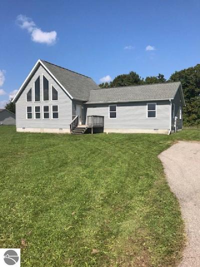 Mt Pleasant Single Family Home For Sale: 7447 E Broomfield Road