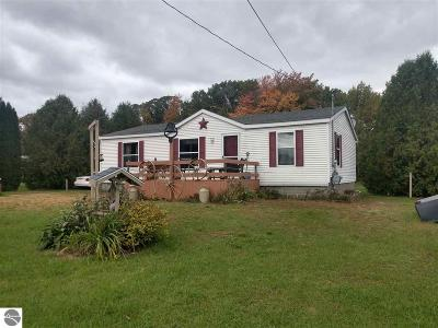 Arenac County Single Family Home For Sale: 5560 Ellison Road