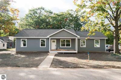 Traverse City Single Family Home For Sale: 416 Michigan Avenue