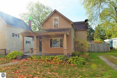 Traverse City Single Family Home For Sale: 225 W Fifteenth