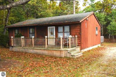 Oscoda Single Family Home For Sale: 5772 Chalet Court