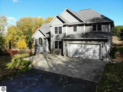 Leelanau County Single Family Home For Sale: 11335 S Ramblewood Drive