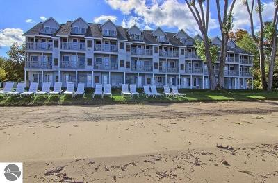 Traverse City Condo For Sale: 2305 Us-31 N #204