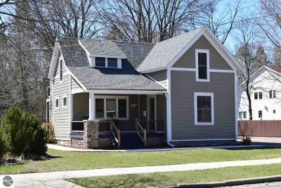 Traverse City Single Family Home For Sale: 801 Seventh Street