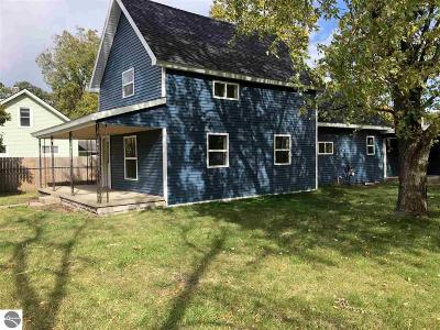 Traverse City Single Family Home For Sale: 965 Woodmere
