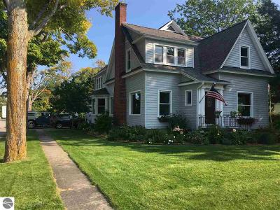 Single Family Home For Sale: 201 S Main Street