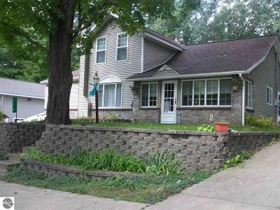 Grand Traverse County Single Family Home New: 116 W Front Street