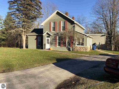 Alcona County Single Family Home For Sale: 2535 W Cedar Lake Road