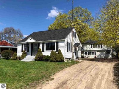 Mt Pleasant MI Single Family Home For Sale: $114,900