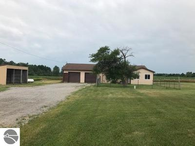 Tawas City Single Family Home For Sale: 200 Oates Road
