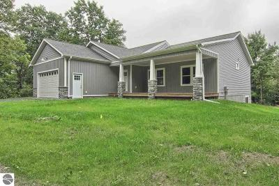Traverse City Single Family Home For Sale: 2017tbb Hayfield Drive