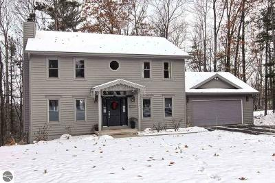 Traverse City Single Family Home For Sale: 3746 Village Circle Drive