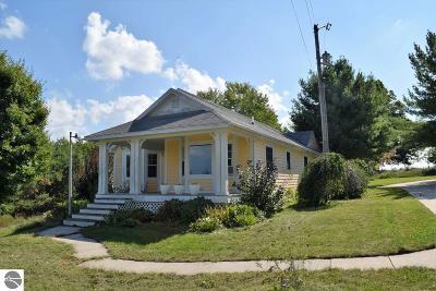 Ellsworth MI Multi Family Home Active U/C Taking Backups: $345,000