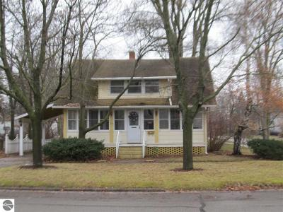 Mt Pleasant MI Single Family Home For Sale: $119,000