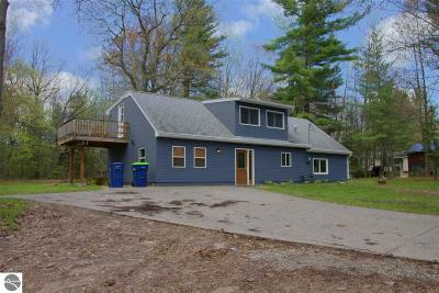 Traverse City Single Family Home For Sale: 638 S South Long Lake Road