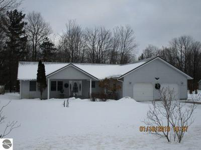 Kalkaska County Single Family Home New: 3304 Inwood Circle Drive