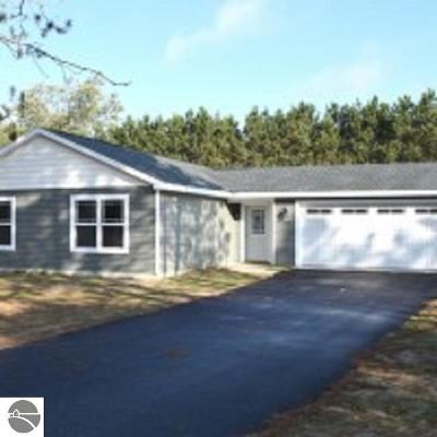 Kalkaska County Single Family Home For Sale: SW Farm Lane