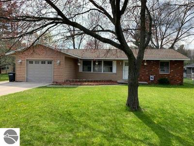 East Tawas MI Single Family Home For Sale: $145,900
