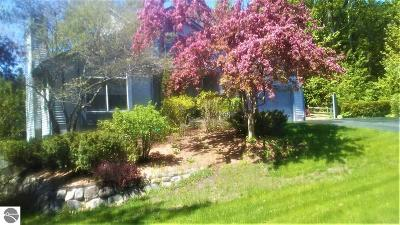 Traverse City Single Family Home For Sale: 755 Huron Hills Drive