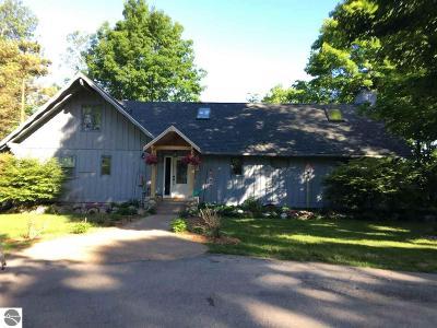 Antrim County Single Family Home For Sale: 13250 Deer Path Lane