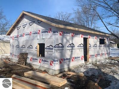 Traverse City Single Family Home For Sale: 888 Baldwin